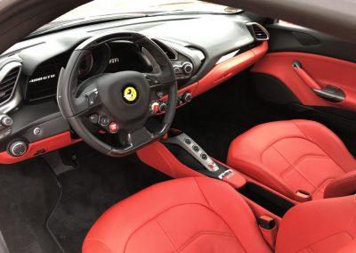 Ferrari 488 GTB Innen